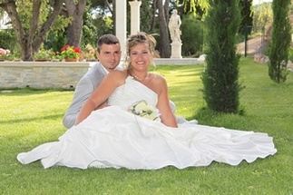 Take pictures of your ceremony in a splendidly designed environment, at Villa Quélude