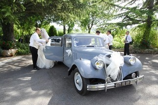 We welcome your families in a traditional and Provencal setting for your wedding